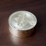 注目のビットコイン関連株のまとめ!仮想通貨に投資しない人は関連銘柄がおすすめ